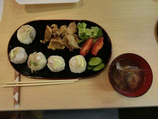 鯛のてまり寿司、ムニエル、アラ汁の3品です